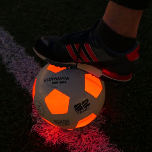 Glow in the dark voetbal